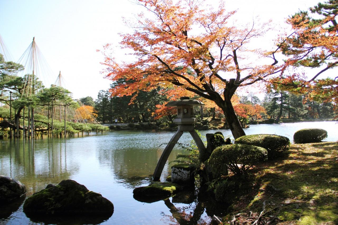 1Day   HIDA TAKAYAMA – SHIRAKAWA GO – KENROKUEN GARDEN – L.BIWAKO – KYOTO -- OSAKA  < HO00 > Wai Wai Real Japan with ONE Way Pick-UP