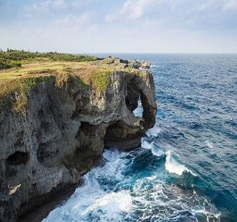 4D3N.Okinawa. Okinawa Kariyushi Urban Resort Naha + Free & Easy **ALPHA MAGIC 20