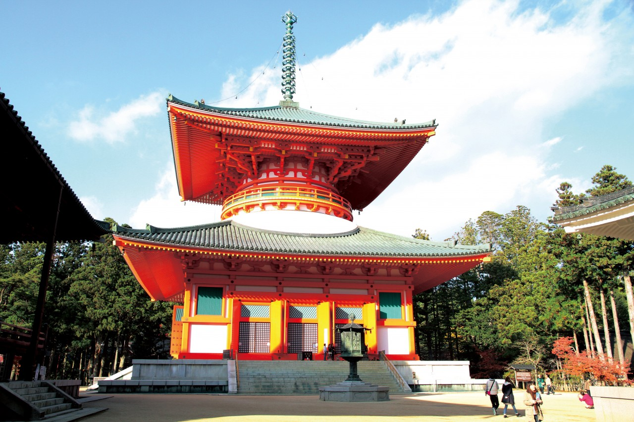 Koyasan 1-Day Tour (Fully Guided) / 2-Day Tour (Partially Guided)