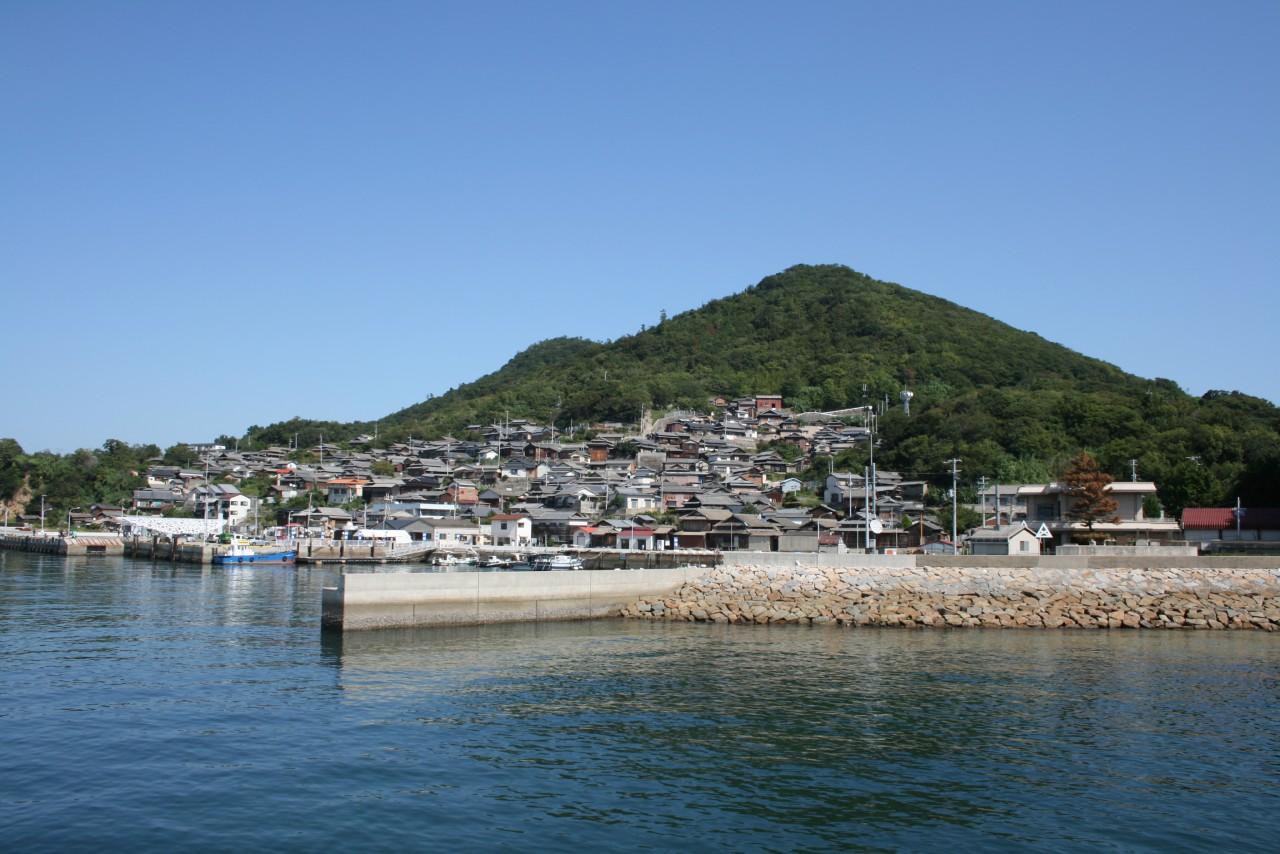Utazu Town to Takamatsu Airport Shared Transfer (Cherry Tomato).