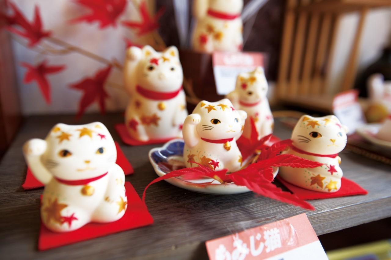 Tokyo City to Ghibli Museum Shared Transfer ( Cherry Tomato )