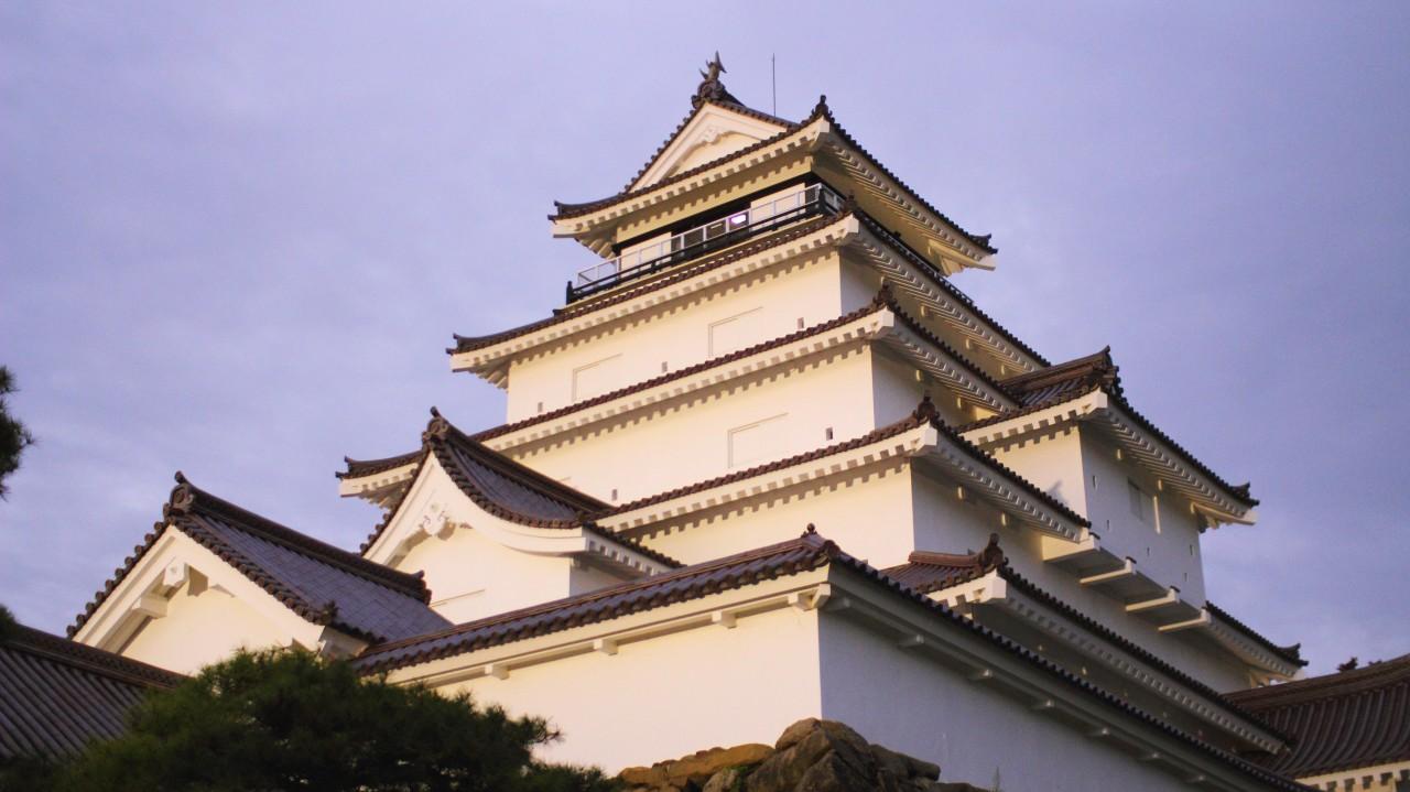 (1) Sightseeing in a Kimono at Former SAmurai District Kakunodate   (2) Samurai City Aizu, Tsuruga-jo Castle and Samurai Residence Sightseeing Taxi Plan