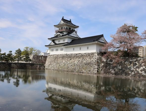 Toyama Castle Ruin Park with Round Trip Cherry Tomato SIC Door to Door Transfer (Duration: approx. 03-04Hrs) **ALInoBABY**